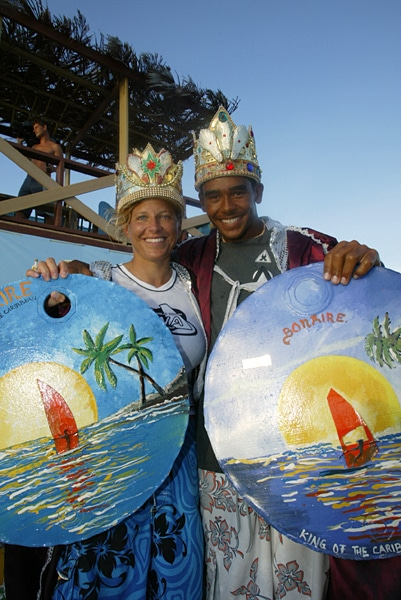 The queen Karin Jaggi and the young king Tonky Frans in Bonaire in 2002 (Photo: pwaworldtour 2002).