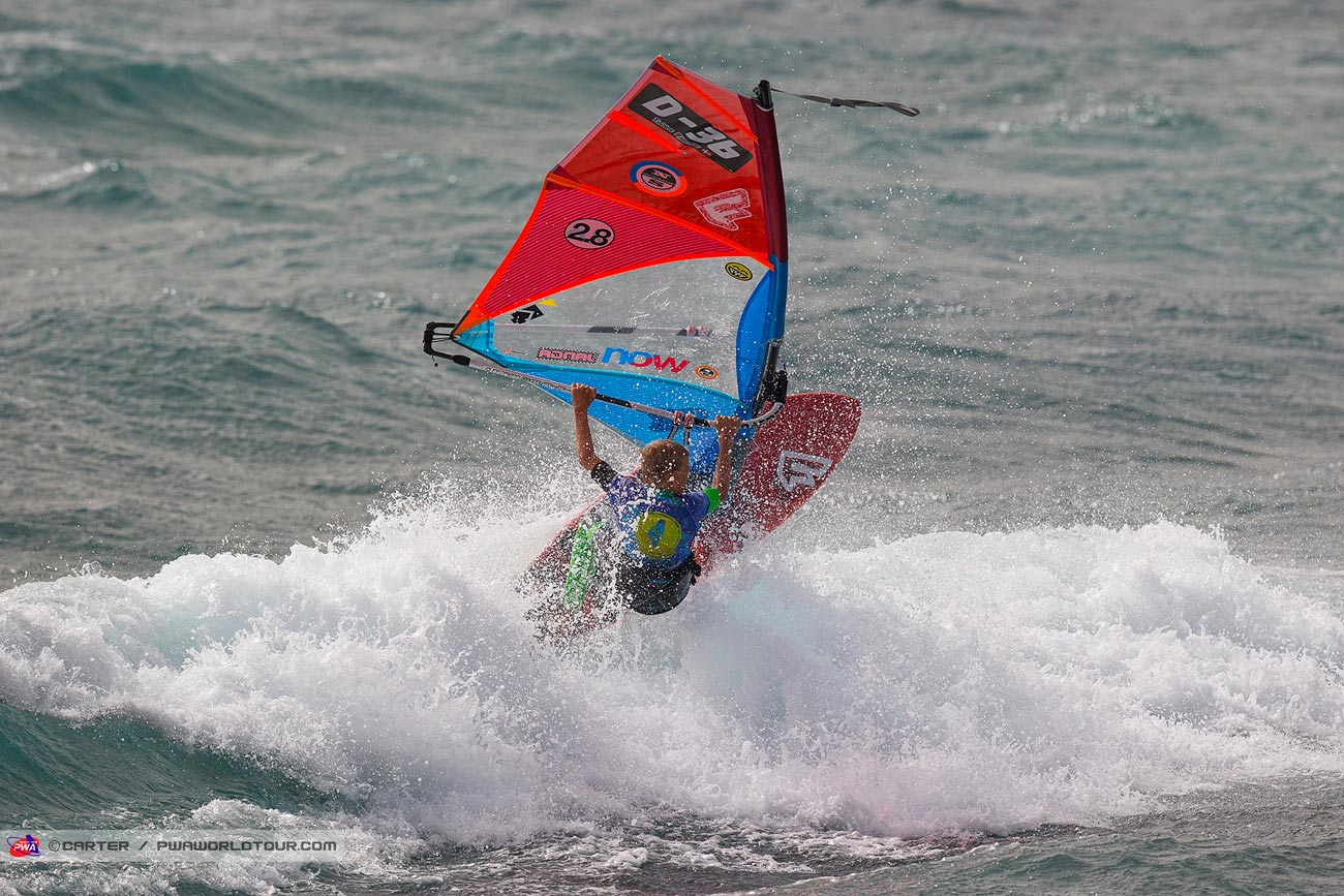 Tobias feels home in waves (Photo: byCarter/PWAworldtour)
