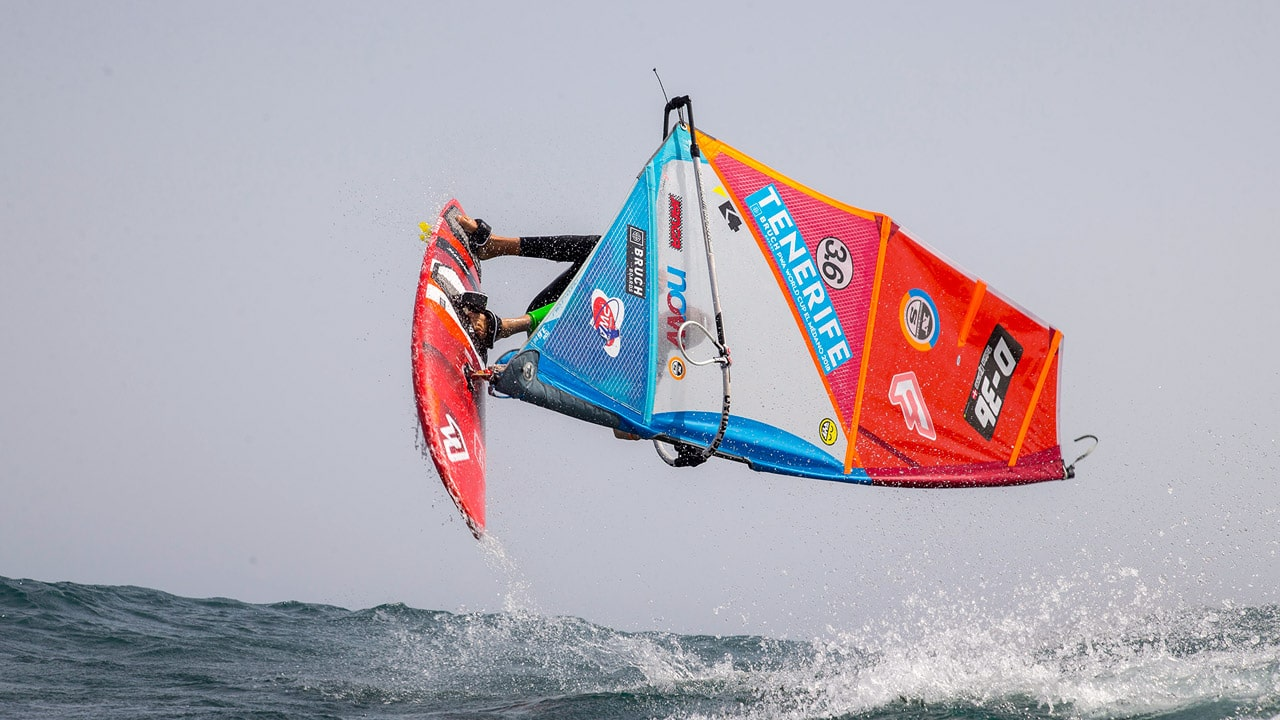 Tobias Bjorna rotates through a Forward (Photo: Carter/PWAworldtour)